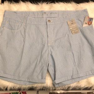 NWT Plus Size 26W Lee Riders Striped Summer Shorts